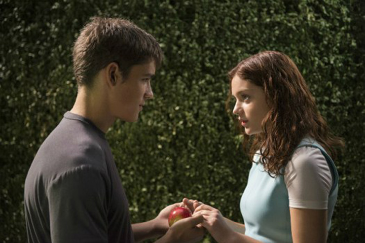 """""""The Giver"""" and the Fading Memory of Christianity"""